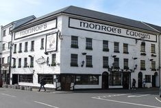 Monroe's Tavern, Galway
