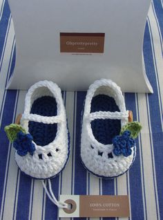 Crochet Baby booties for little girl ivory and blue with flowers size 3 6 months ready to ship with gift boxCute baby booties Mary Janes hand-crocheted from a cotton yarn, ready to ship. They are perfect shoes for little baby girl! A double sole Crochet Baby Sandals, Knit Baby Booties, Booties Crochet, Crochet Baby Clothes, Crochet Shoes, Crochet Slippers, Baby Boots, Crochet Baby Blanket Beginner, Baby Knitting