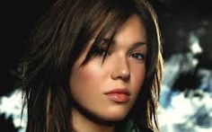 92f5526bfc2 Mandy Moore -Join thousands of members collecting stunning signed celebrity  photos
