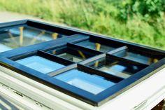 Makrowin vyrába unikátne bronzovo-drevené okná pre USA  Popredný slovenský výrobca drevených a drevohliníkových okien Makrowin, s.r.o., Detva, tradične boduje v USA, kde sa presadzuje nielen kvalitou svojej produkcie, ale aj schopnosťou plniť špecifické požiadavky odberateľov. Po takých lahôdkach ako boli imitácie gilotínových okien, či historických okien na starých budovách a dodávkach vysokotesných úsporných okien pre pasívne domy, získala firma objednávku na atypické bronzovo-drevené…