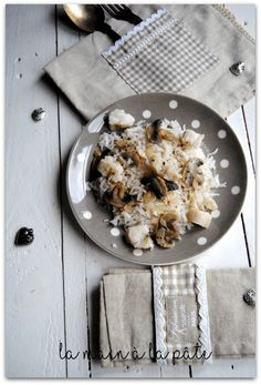 Plat complet léger à base de dos de colin, champignons frais et riz à la crème