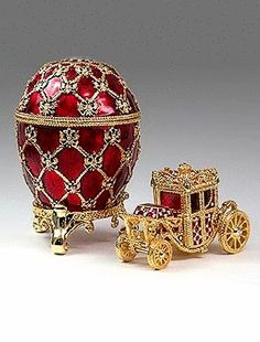A Fabergé egg is a Jeweled egg made by the House of Faberge from 1885 to Most were miniature eggs that were popular gifts at Easter. Easter Bunny, Easter Eggs, Happy Easter, Art Nouveau, Fabrege Eggs, Egg Art, Chicken Eggs, Objet D'art, Russian Art