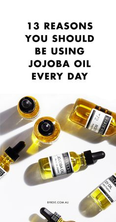 13 Reasons You Should Be Using Jojoba Oil Every Day Didn't know jojoba oil was a bonafide multi-tasker? Discover 13 ways you can use this drugstore product to beautify your hair, skin, and nails Jojoba Oil Uses, Jojoba Oil For Skin, Benefits Of Jojoba Oil, Essential Oil Perfume, Essential Oils, Superfood, Nail Oil, Acne Oil, Hacks