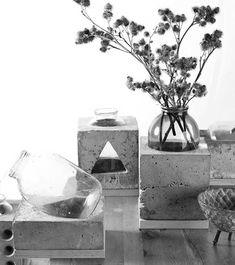 Designer Sergey Makhno ontwierp deze prachtige vazenserie The Invariants. Er is gebruik gemaakt van beton en glas.