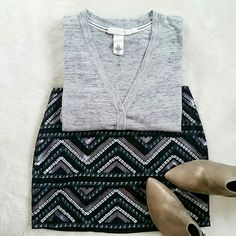 💙Host Pick!💙 H&M Gray Boyfriend Cardigan XS H&M gray long boyfriend cardigan. Size x-small. Pre-loved but in great condition. H&M Sweaters Cardigans
