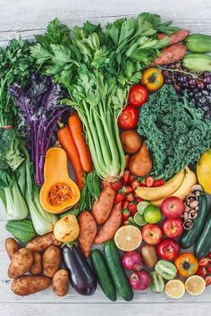 Fruits And Vegetables Pictures, Vegetable Pictures, Fruits And Veggies, Whole Food Recipes, Vegan Recipes, Vegan Meals, High Carb Diet, Eat The Rainbow, Healthy Vegetables
