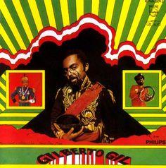 Gilberto Gil, 1968, design by Rogério Duarte   O disco é um dos trabalhos da Tropicália mais influenciados pelo rock.