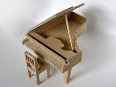 piano de papelão