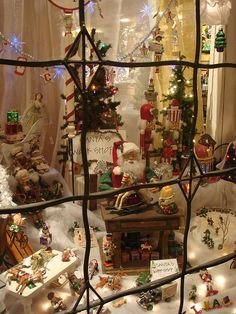 Christmas Window #1    Solvang Christmas Shop Window by OneTry, via Flickr