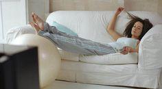 Todas as mulheres devem ir para o sofá descansarem pelo menos 10 minutos quando chegam a casa, afirma o estudo do Departamento de Medicina Ocupacional da Universidade de Aarhus, na Dinamarca.