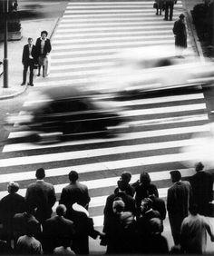 Hannes Kilian:   Straßenszene in Stuttgart 1965