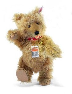 6808ad33327 Bears Everywhere offers great discounts on Steiff Teddy Bears.