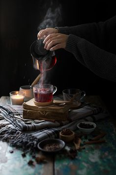 Blueberry herbal tea Source by studiostoriesde Dark Food Photography, Coffee Photography, Morning Photography, Shadow Photography, Coffee Time, Tea Time, Tea Art, Herbal Tea, Kraut