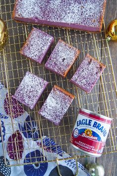 """Move over Red Velvet and basic sweet potatoes, there's a new pretty color in town and it's au-naturel!Meet the Purple Yam, also known as """"Ube. Filipino Dishes, Filipino Desserts, Asian Desserts, Filipino Recipes, Filipino Food, Hawaiian Recipes, Ube Recipes, Sweet Recipes, Delicious Recipes"""