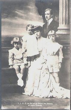 HM King Albert I and Queen Elisabeth of Belgium with their children, Prince Leopold, Prince Charles and Princess Marie-José