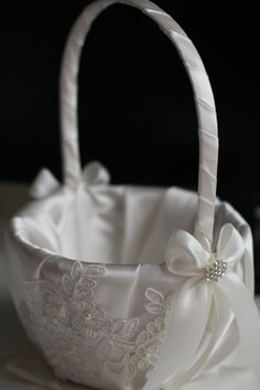 Amazon.com: Alex Emotions   Lace Applique Collection   Off White Ring Bearer Pillow & Wedding Flower Girl Basket Set: Home & Kitchen