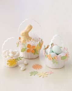 "See the ""Mini Easter Basket Favors with Flower-Punch Trim"" in our Easter Kids' Crafts and Activities gallery Hoppy Easter, Easter Eggs, Easter Table, Easter Gift, Easter Bunny, Spring Crafts, Holiday Crafts, Magazine Deco, Boutique Deco"