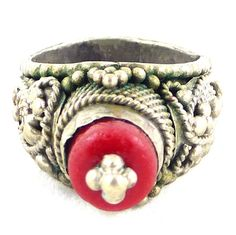 Old vintage Yemeni ring size 8.5. Silver by EthnicVintageJewelry