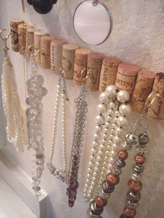 My jewelry stash was a mess and my cork collection was growing rapidly, so I found a solution to both problems with a simple crafting project. Cork boards made from wine corks are currently a popul…  #JewelryDIY