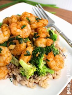 Spicy Garlic Shrimp with Broccoli and Brown Rice - easy and healthy shrimp dish with a yummy sauce that's got a little bit of kick. Great dish for meal prep too! Servings: 4 • Calories: 307 • Fat: 6 g • Protein: 28 g • Carbs: 36 g • Fiber: 3 g • Sugar: 7 g • Sodium: 474 mg • Cholesterol: 172 mg