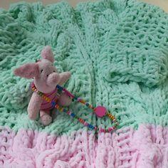 Для найдорожчих принцес у світі Розмір на 5-7 років Саме час для кардиганів #принцесса #детей #девочкитакие #lovekids #kid #madeinukraine #vsco #сделановукраине #купуйукраїнське #купуйсвоє #кардиган #дляпринцесс #kardigans #осень2015 #вязаное #knitting
