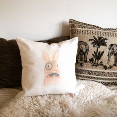 soebagmocht@gmx.at  Polster/Kissen mit Hase (selbst gemacht, diy)  Osterhase, Ostern, Ostergeschenk, Geschenkidee Throw Pillows, Special People, Easter Bunny, Cushion, Cushions, Decorative Pillows, Decor Pillows