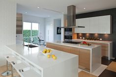Located in Golden Beach, Florida, this minimalist two-storey private residence was designed by SDH Studio for a family with three kids. Kitchen Interior, Modern Interior, Interior Architecture, Kitchen Decor, Kitchen Design, Interior Design, Oh My Home, Fancy Houses, Home Kitchens