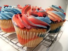 USA themed cupcakes! Perfect for the 4th or memorial day. Recipe is easy!