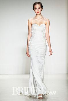 Brides.com: Kelly Faetanini - Fall 2015%0AWedding dress by Kelly FaetaniniPhoto: George Chinsee