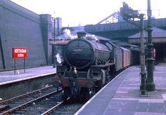 BR 4-6-0 B1 61281 Diesel Locomotive, Steam Locomotive, Steam Trains Uk, Steam Railway, British Rail, Old Trains, Train Pictures, Train Journey, Steam Engine