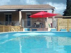 Gite rural Hérault avec piscine, dans le village de Laurens