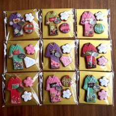 和物クッキー Iced Sugar Cookies, Sugar Icing, Royal Icing Cookies, Biscotti Cookies, Galletas Cookies, Crazy Cookies, Cute Cookies, Cookie Bouquet, Japanese Sweets