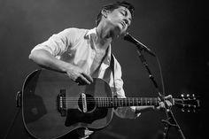 Лидер Arctic Monkeys Алекс Тернер ответил на критику The Orwells http://muzgazeta.com/rock/201413393/lider-arctic-monkeys-aleks-terner-otreagiroval-na-kritiku-orwells.html