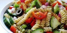Easy and Healthy Greek Pasta Salad Recipe with Feta Easy Summer Salads, Summer Recipes, Greek Salad Pasta, Vegan Recipes, Cooking Recipes, Free Recipes, Deli Food, Tasty, Yummy Food