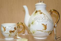 Marjolein Bastin's  Winter Wren Teapot & Cup Nature's Journey