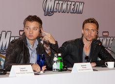 Jeremy Renner & tom hiddleston