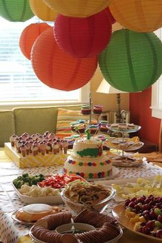 A 'Very Hungry Caterpillar' 1st birthday party. So sweet!