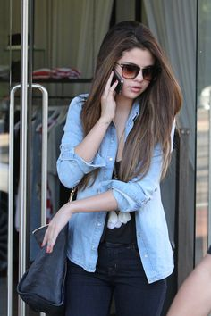 i love her outfit #Selena Gomez
