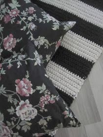 Thelma`s: Virkatut matot Quilts, Blanket, Diy, Crochet Carpet, Craft, Home, Crocheting, Bricolage, Quilt Sets