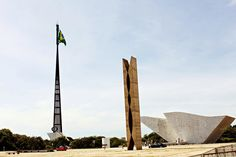 Praça dos Três Poderes, Brasília - DF. Maio/2015 por Yamana Diniz.