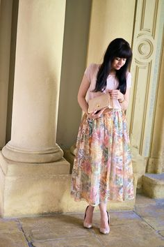 SUKŇA Z ORGANZY_Katharine-fashion is beautiful_Sukňa_Organza_Katarína Jakubčová_Fashion blogger #outfit #ootd #outfitoftheday #lookoftheday #outfitpost #FashionBlog #Blogger #slovakfashionblog #whattowear #katharine #fashionisbeautiful #chic #skirt #inspiration #midi  #pink #rose #spring #summer #floral #organza