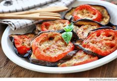 Gebackene Auberginen mit Tomaten und Käse Baklaschany zapechönye s pomidorami i syrom - Запеченные баклажаны с помидорами и сыром