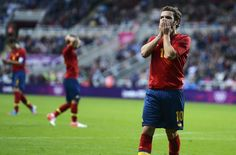 La prensa española se mostró unánime a la hora de criticar el juegode la Roja durante los JJOO de... Fc Barcelona, Soccer, Sports, Juan Mata, Printing Press, Game, Red, Hs Sports, Futbol