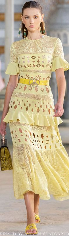 Georges Hobeika, Catwalk, Womens Fashion, Fashion Trends, Ready To Wear, Spring Summer, Couture, How To Wear, Collection