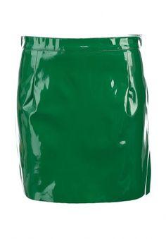 Оригинальная мини-юбка от GLAMOROUS решена в насыщенном зеленом цвете. Модель создана из искусственной лакированной кожи. Детали: прямой крой, мягкая текстильная внутренняя отделка, застежка на молнию и кнопку на спинке. http://j.mp/1t0OFQ9