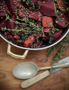 Hearty winter stew - replace lentils with chopped firm tempeh or tofu (smoked would be good) to reduce carbs Healthy Chef, Healthy Cooking, Eat Healthy, Leafy Salad, Vegetarian Recipes, Healthy Recipes, Savoury Recipes, Winter Dishes, Veggie Stock