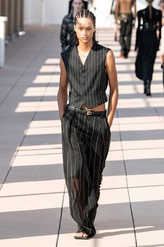 Dion Lee Spring 2020 Ready-to-Wear Fashion Show - Vogue 2020 Fashion Trends, Fashion Week, Runway Fashion, High Fashion, Fashion Outfits, Women's Fashion, Fashion Details, Fashion Styles, Dion Lee