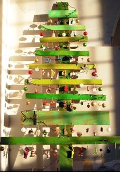 christmas tree made out of scrap wood | Daily Dose of Art: Christmas Crafts 4: Make Your Own Christmas Tree
