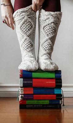 Ravelry: Cozy Cable Slipper Socks pattern by Abbye Dahl Slipper Socks, Slippers, Knitting Projects, Knitting Patterns, Dahl, Knitting Accessories, Knitting Socks, Leg Warmers, Ravelry