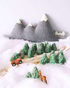 My DIY edible forest is on the blog this morning! I had a little too much fun making this Rice Krispies winter scene for the @gastropost / @ricekrispies_ca Treats for Toys campaign, in which Kellogg's is donating funds to the Salvation Army to provide real toys for children in need. More information on how you can get involved is in the link in profile as well. ❤️ #gastropost #treatsfortoys #sweetestsecret #edibleart #christmas #howiholiday #diy #bakersofinstagram #thisisfall #eeeeeats #...